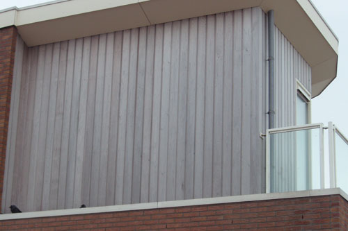 Channelsiding Western Red Cedar gevelbekleding balkon