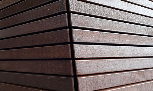 Western Red Cedar open gevel behandeld detail